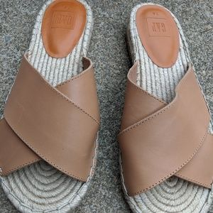 Gap Tan Leather Slides Sandals Size 7.5M